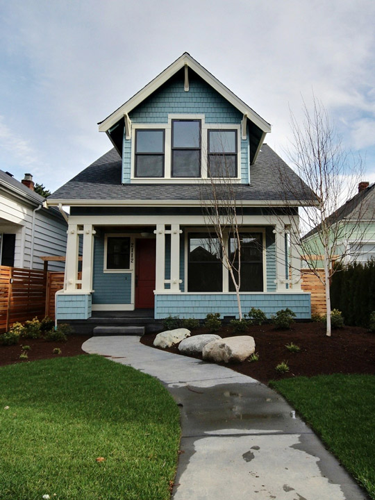 2112 6th Ave W - Queen Anne Craftsman