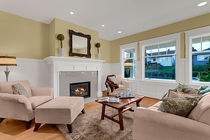 1506 5th Ave W - Queen Anne Craftsman-Style